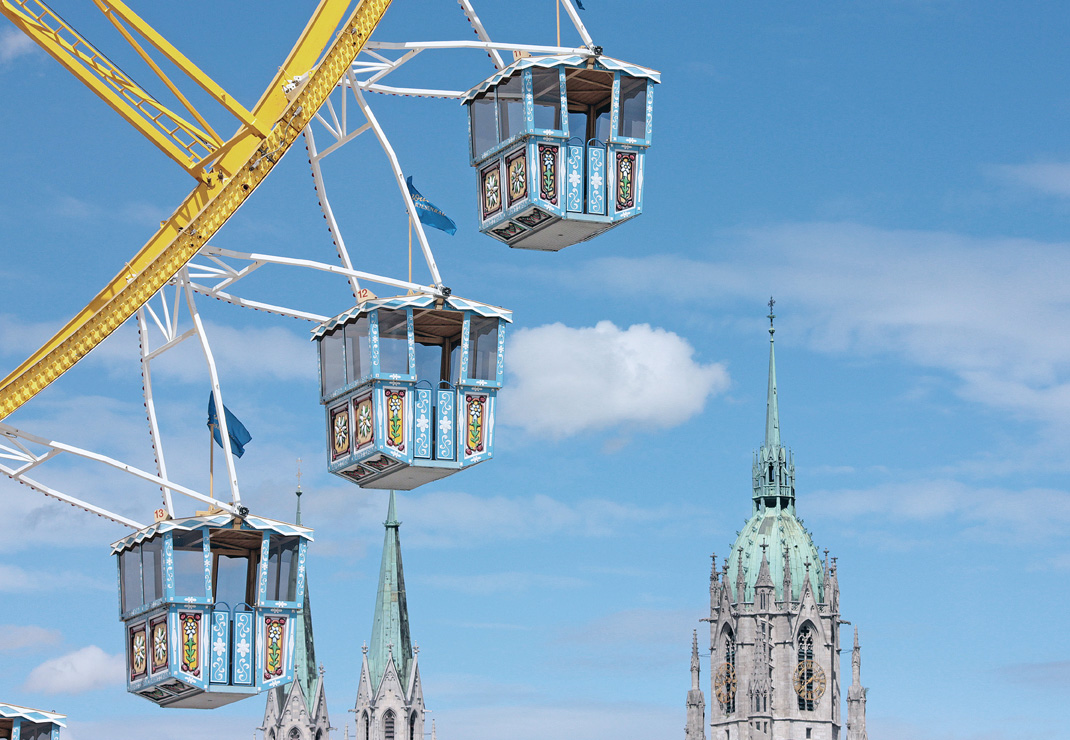 57. Frühlingsfest München 2022 in der Festhalle Bayernland - Festzelt - Augustiner Schöniger