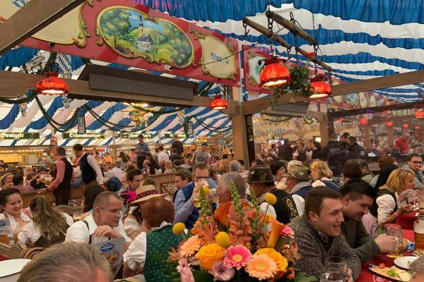 muenchen-fruehlingsfest-2019-festhalle-bayernland-schoeniger-theresienwiese-oktoberfest20210506-00467E883A06-015D-B76A-570D-E52F0710A0E7.jpeg