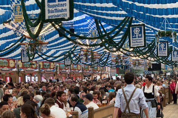 muenchen-fruehlingsfest-2019-festhalle-bayernland-schoeniger-theresienwiese-oktoberfest20210506-0051C5C4C641-5468-9F42-0627-BDE4779C126A.jpeg