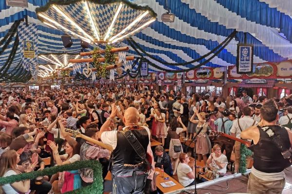 muenchen-fruehlingsfest-2019-festhalle-bayernland-schoeniger-theresienwiese-oktoberfest20210506-0053390A9FBE-190D-6F83-B046-3FD7C086E5B7.jpeg