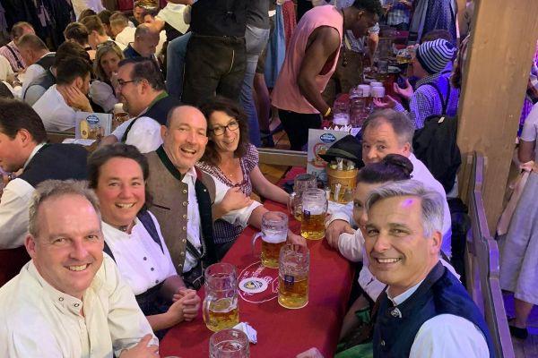 muenchen-fruehlingsfest-2019-festhalle-bayernland-schoeniger-theresienwiese-oktoberfest20210506-005801DE9ED7-AC1C-CE02-6EF4-A7F4DFC87A0D.jpeg