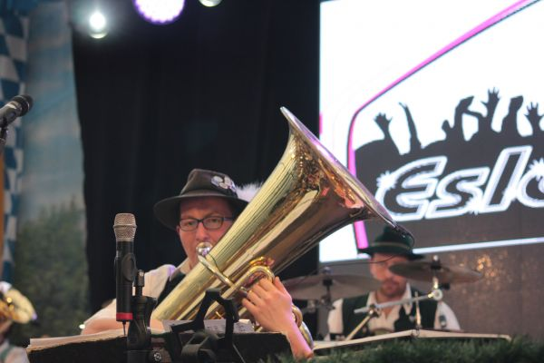 muenchner-fruehlingsfest-2019-festhalle-bayernland-schoeniger-theresienwiese-oktoberfest20190426-00291ACD7398-C138-B216-7F95-C9036EBEEFFF.jpg