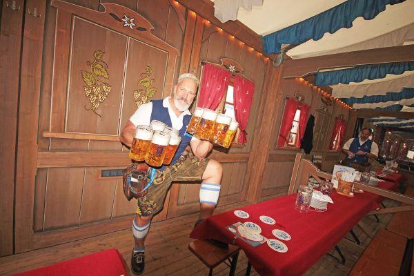 muenchner-fruehlingsfest-2019-festhalle-bayernland-schoeniger-theresienwiese-oktoberfest20190509-0024E1D18F59-137A-1054-820F-FFE6351CED41.jpg