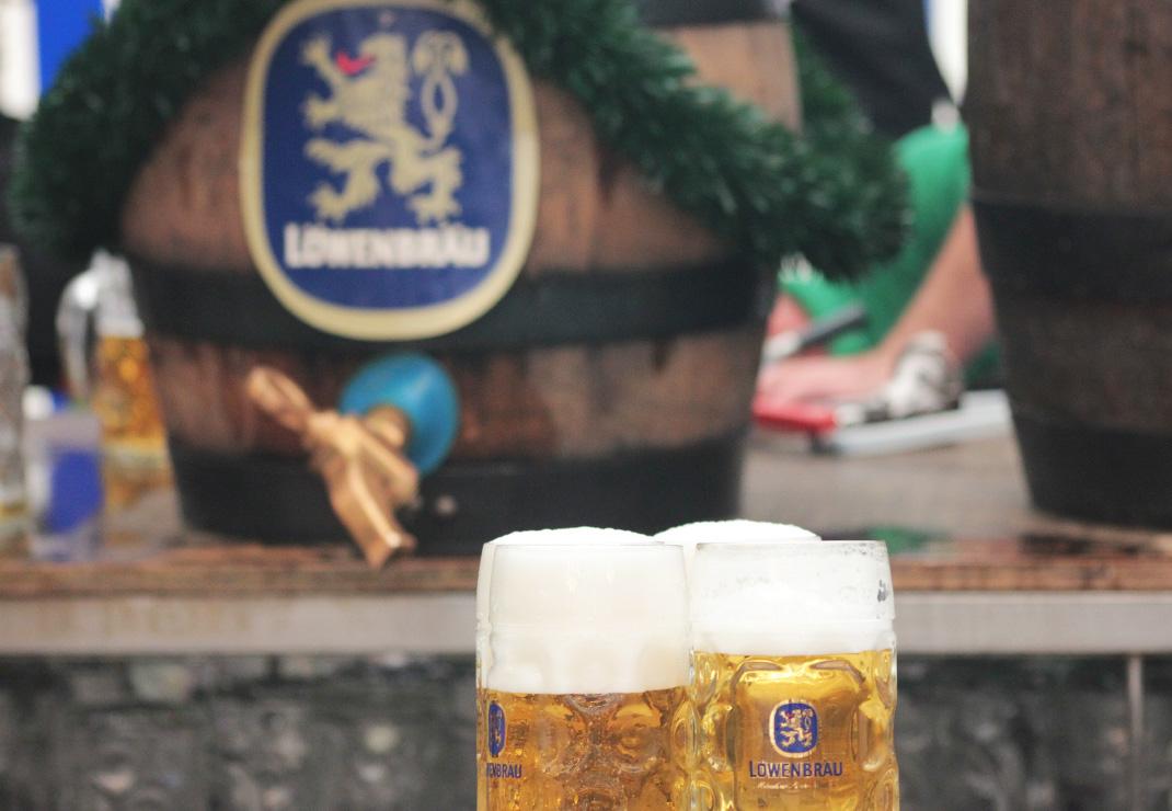 Volksfest Weilheim mit der Festhalle Bayernland